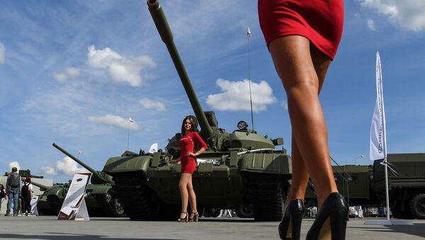 Танк Т-55А в статичной экспозиции выставки на Международном военно-техническом форуме (МВТФ) Армия-2020 - Sputnik Азербайджан