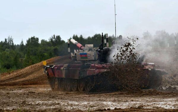 Азербайджанские танкисты, участвующие в конкурсе «Танковый биатлон» - Sputnik Азербайджан