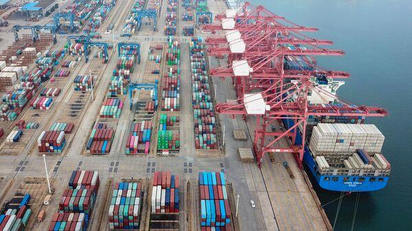 Контейнеры на порту, фото из архива - Sputnik Азербайджан