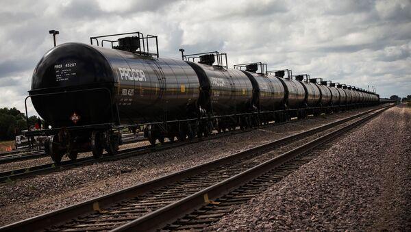 Нефтяные контейнеры, фото из архива - Sputnik Azərbaycan