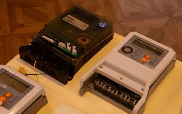 Счётчики электрической энергии, которые подверглись внешнему воздействию - Sputnik Азербайджан