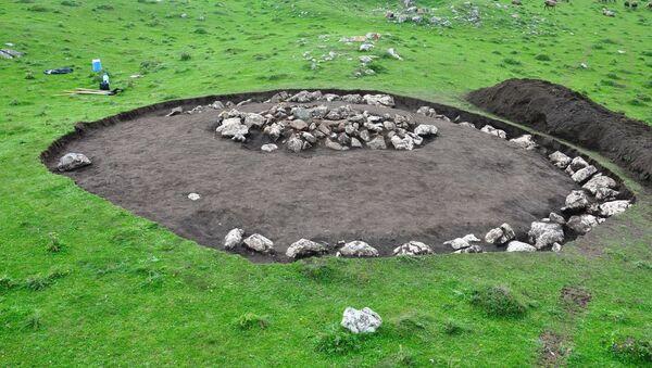 Daşkəsən rayonu ərazisində Xoşbulaq yaylağında arxeoloji qazıntı işləri - Sputnik Азербайджан