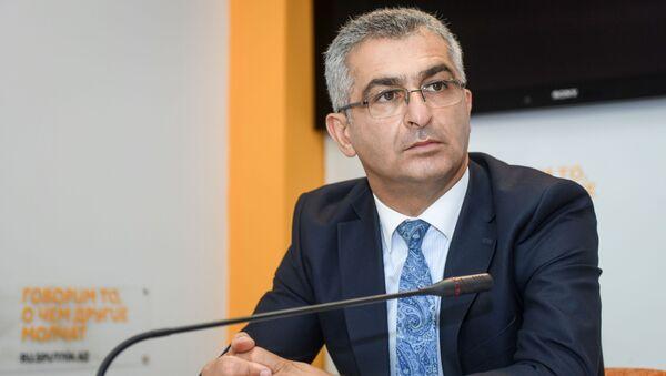 Ответственный секретарь Общественного совета при министерстве образования Ильгар Оруджев - Sputnik Азербайджан