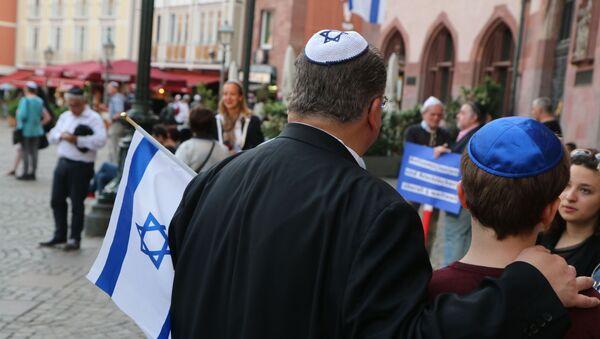 Евреи с традиционными головными уборами, фото из архива - Sputnik Азербайджан