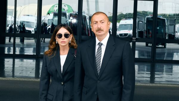 Ильхам Алиев и Мехрибан Алиева, фото из архива - Sputnik Азербайджан