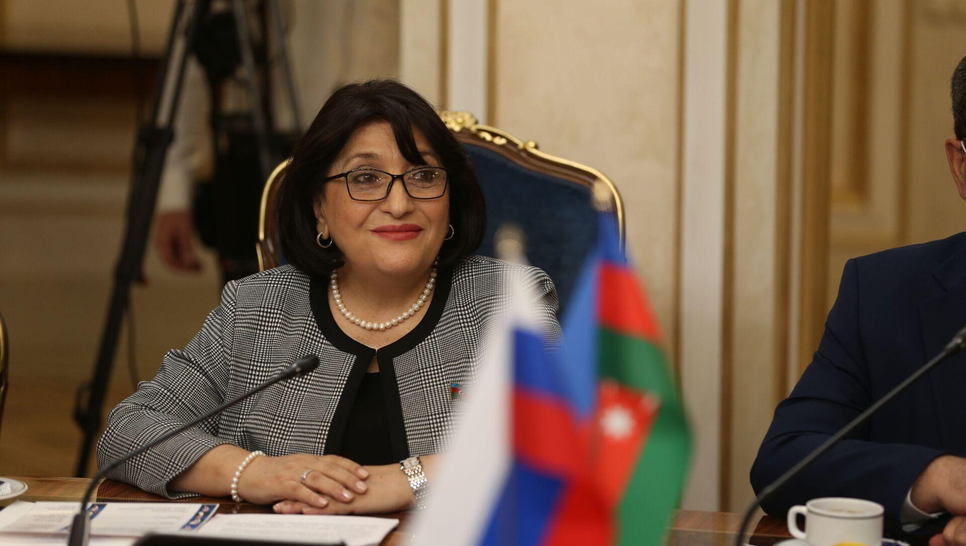 Председатель Милли Меджлиса АР Сахиба Гафарова - Sputnik Азербайджан, 1920, 16.04.2021