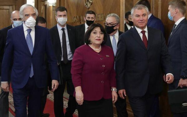 Sahibə Qafarovanın başçılıq etdiyi nümayəndə heyəti Dövlət Dumasının Sədri Vyaçeslav Volodinlə görüşüb - Sputnik Azərbaycan