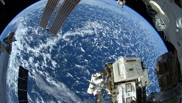 Каким будет шоу, победитель которого полетит в космос? - Sputnik Азербайджан