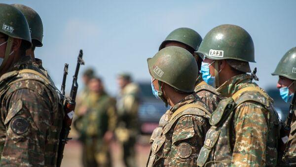 Армянские военнослужащие, фото из архива - Sputnik Азербайджан