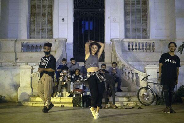 Выступление танцоров в Рабате, Марокко - Sputnik Азербайджан