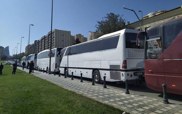 Отправка резервистов на фронт в Баку - Sputnik Азербайджан