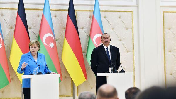 Ангела Меркель на встрече с Ильхамом Алиевым, фото из архива - Sputnik Азербайджан