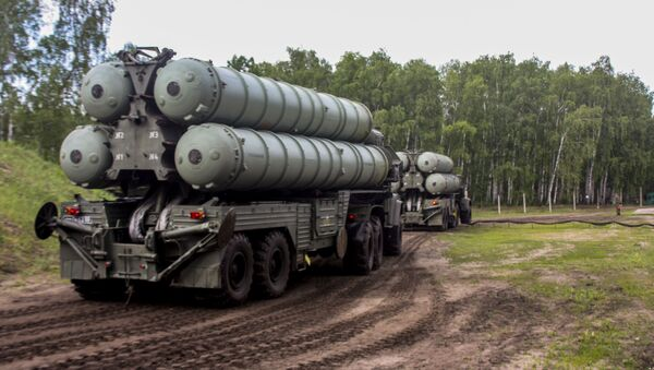 Дивизион зенитных ракетных комплексов С-300 Фаворит - Sputnik Азербайджан