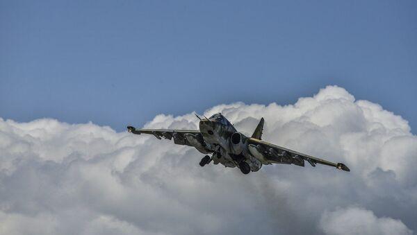 Штурмовик Су-25 Армении - Sputnik Азербайджан