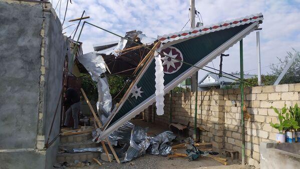 Последствия обстрела в селе Бахарлы Агдамского района - Sputnik Азербайджан