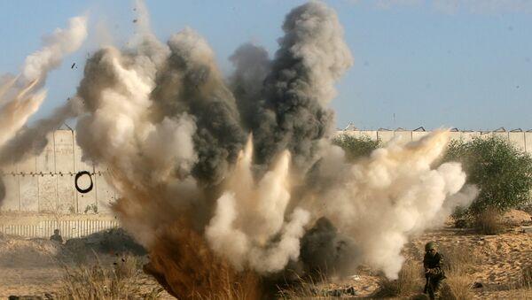 Взрывы во время учений, фото из архива - Sputnik Azərbaycan