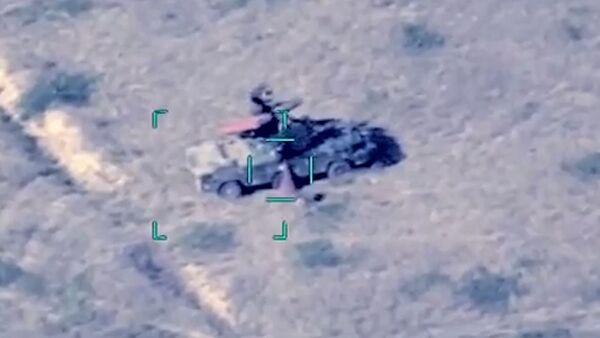 МО Азербайджана сообщило об уничтожении боевой техники ВС Армении - Sputnik Азербайджан