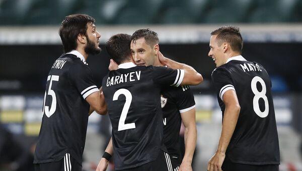 Матч плей-офф раунда квалификации Лиги Европы между польской Легией и азербайджанским Карабахом - Sputnik Azərbaycan
