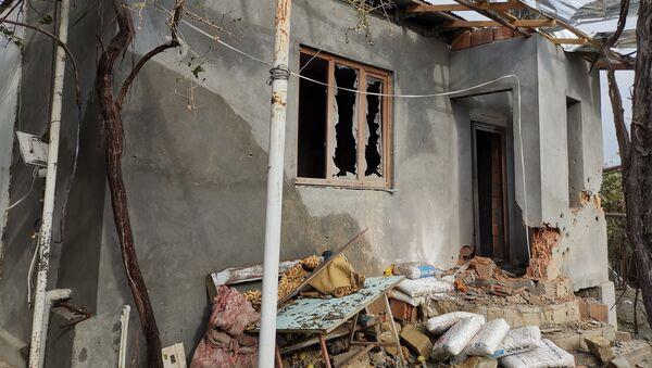 Последствия обстрелов в Тертерерском районе Азербайджана, фото из архива - Sputnik Азербайджан