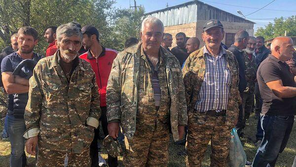 Добровольцы в Армении - Sputnik Азербайджан