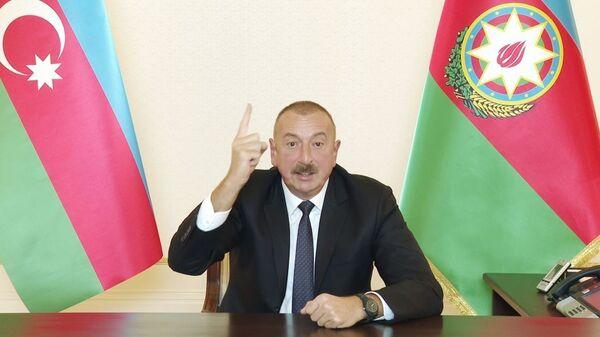 Президент Ильхам Алиев во время обращении к нации - Sputnik Azərbaycan