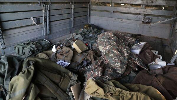 Военные трофеи, оставленные ВС Армении на поле боя, фото из архива - Sputnik Азербайджан
