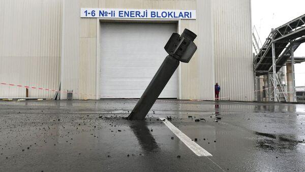 Ракета реактивной системы залпового огня (РСЗО) Смерч на территории Мингечевирской ГЭС - Sputnik Азербайджан