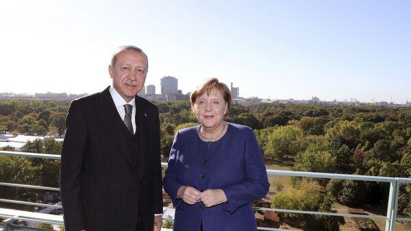 Президент Турции Реджеп Тайип Эрдоган и канцлер Германии Ангела Меркель, фото из архива - Sputnik Азербайджан