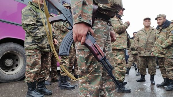 Армянские солдаты, фото из архива - Sputnik Azərbaycan