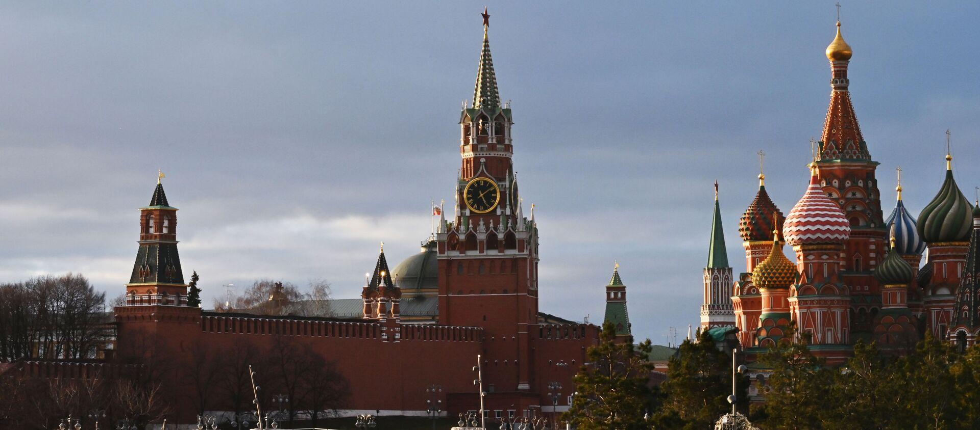 Вид на Кремль в центре Москвы, фото из архива - Sputnik Азербайджан, 1920, 29.03.2021
