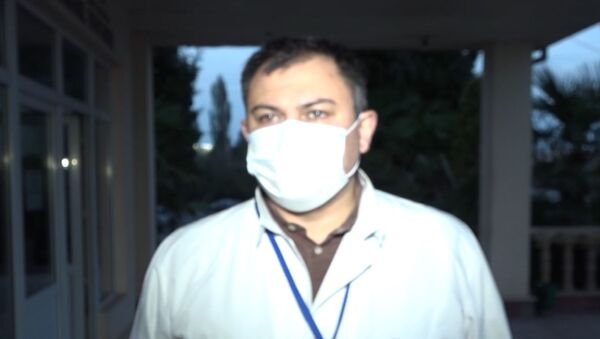 При обстреле Гянджи погибла мать сражающихся на фронте солдат – видео с врачом - Sputnik Азербайджан