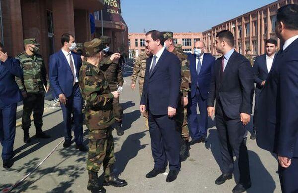 Министр по чрезвычайным ситуациям Кемаледдин Гейдаров в Гяндже  - Sputnik Азербайджан