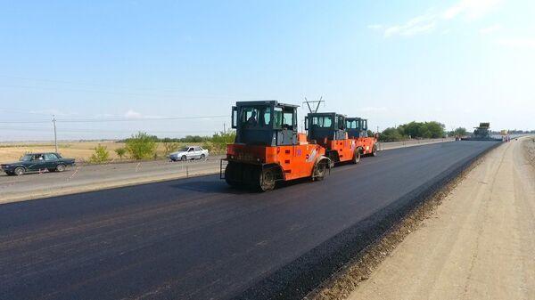 Ремонт и строительство дороги, фото из архива - Sputnik Азербайджан