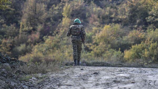 Армянский солдат, фото из архива - Sputnik Азербайджан