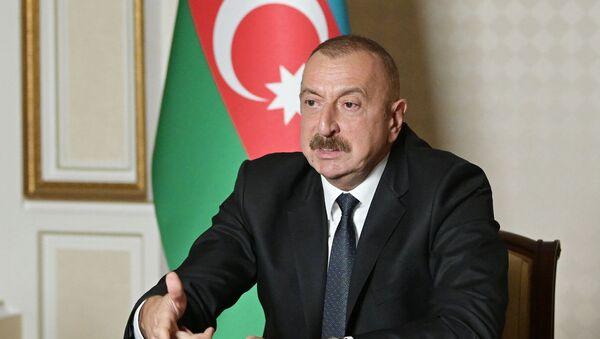 Президент Ильхам Алиев во время обращении к нации - Sputnik Азербайджан
