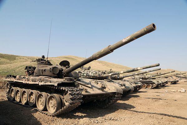 Военные трофеи, оставленные ВС Армении на поле боя - Sputnik Azərbaycan