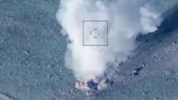 Уничтожение техники ВС Армении - Sputnik Азербайджан