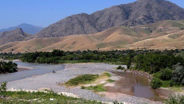 Река Араз с границами между Ираном и Азербайджаном - Sputnik Azərbaycan