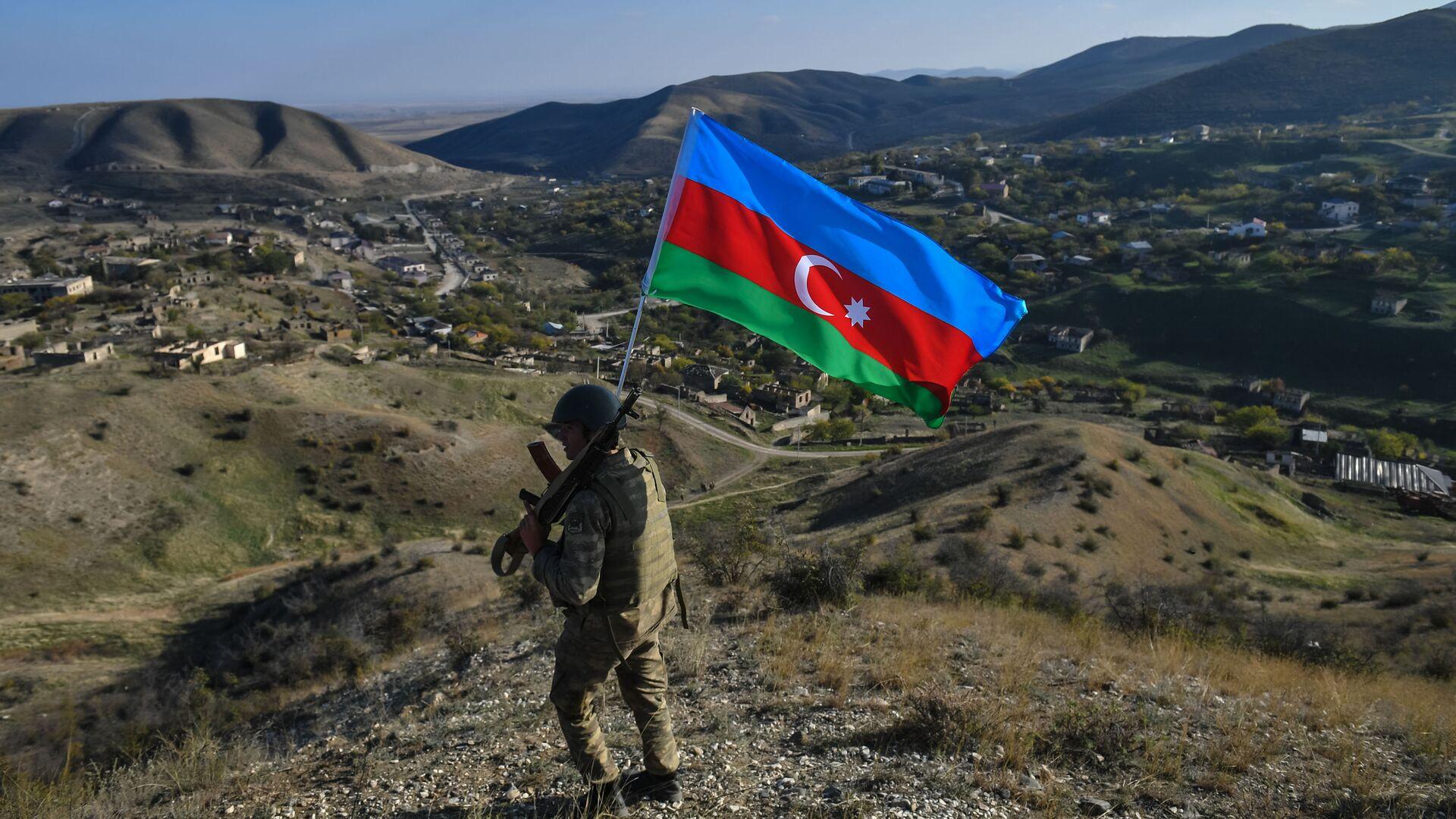 Азербайджанские военнослужащие, фото из архива - Sputnik Azərbaycan, 1920, 12.09.2021
