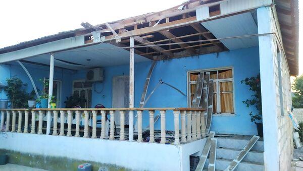 Последствия обстрелов в азербайджанском городе Барда  - Sputnik Азербайджан