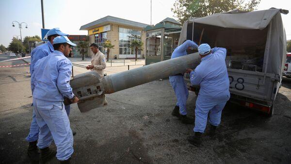 Фрагменты ракеты Смерч в Барде - Sputnik Азербайджан