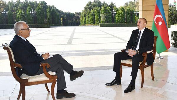 """Prezident İlham Əliyev İtaliyanın """"La Republica"""" qəzetinə müsahibəsi zamanı - Sputnik Азербайджан"""