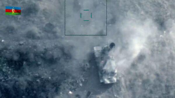 Минобороны Азербайджана поделилось видео уничтожения зенитной установки противника  - Sputnik Азербайджан