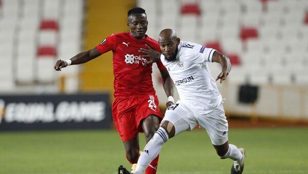 Матч 3-го тура групповой стадии Лиги Европы между турецким «Сивасспором» и азербайджанским «Карабахом» - Sputnik Азербайджан