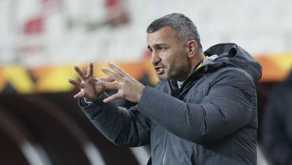 Главный тренер ФК Карабах Гурбан Гурбанов - Sputnik Азербайджан