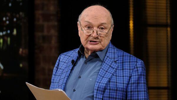 Писатель-сатирик Михаил Жванецкий, фото из архива - Sputnik Азербайджан