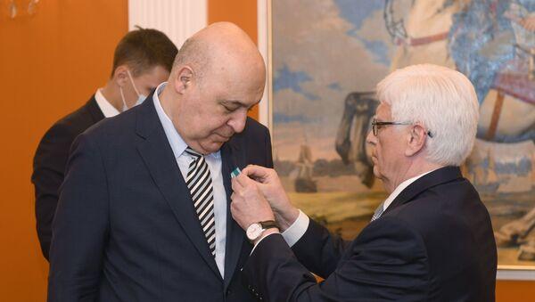 Чингиз Абдуллаев и Михаил Бочарников - Sputnik Азербайджан