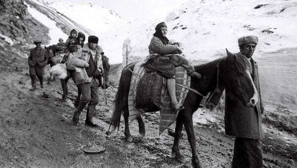 Беженцы из Кельбаджара - Sputnik Азербайджан