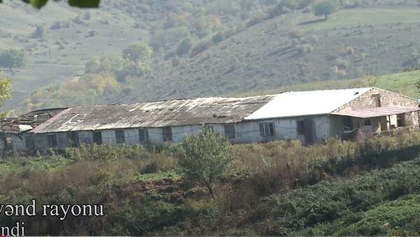 Xocavənd rayonunun işğaldan azad olunan Tuğ kəndindən videoreportaj - Sputnik Азербайджан