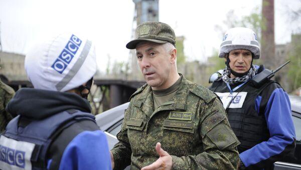 Командующий российскими миротворческими силами в Нагорном Карабахе генерал-лейтенант Рустам Мурадов, фото из архива - Sputnik Азербайджан